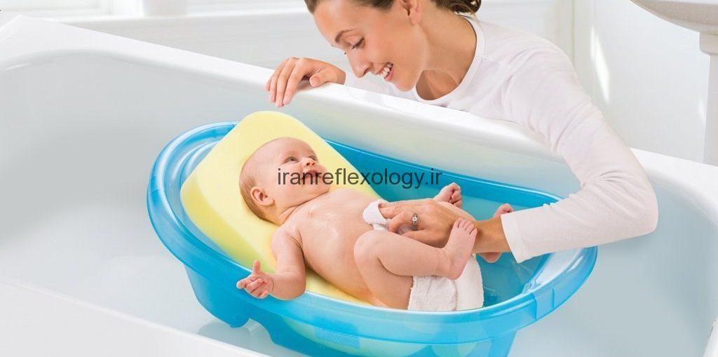 مراحل حمام نوزاد را بیاموزید