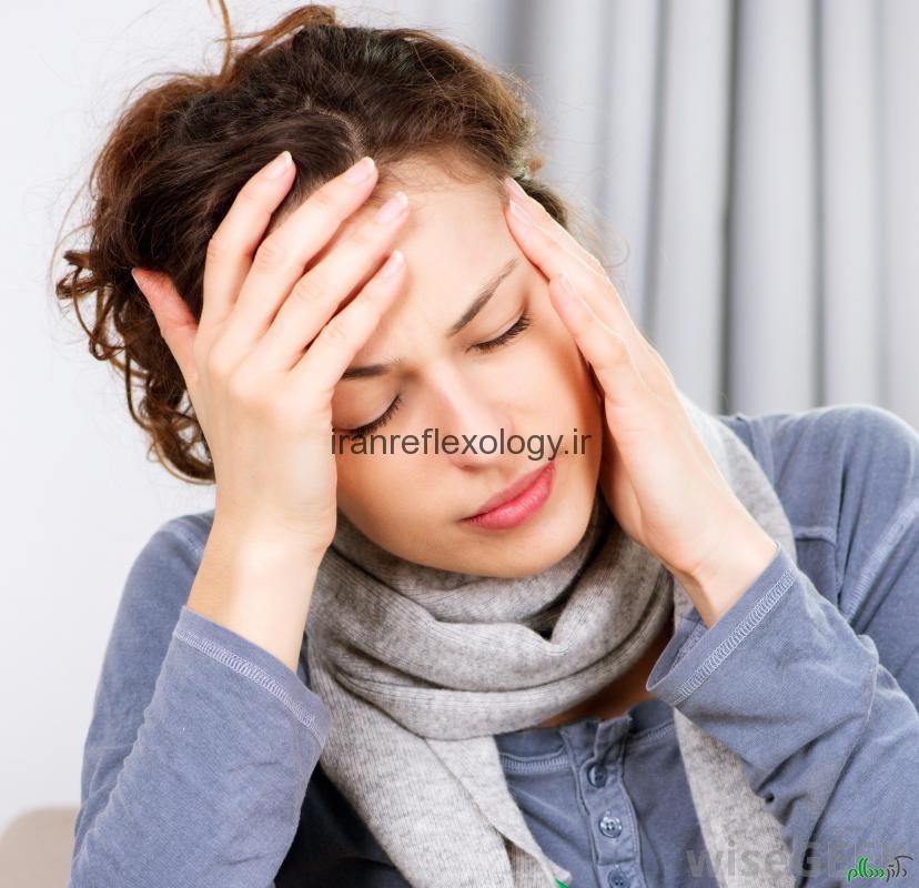 سردرد میگرنی چیست و چه علائم و دلایلی دارد؟